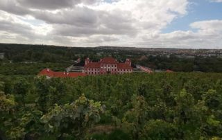 Prag, Trojski vinogradi i dvorac